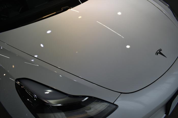 モデル3白-4