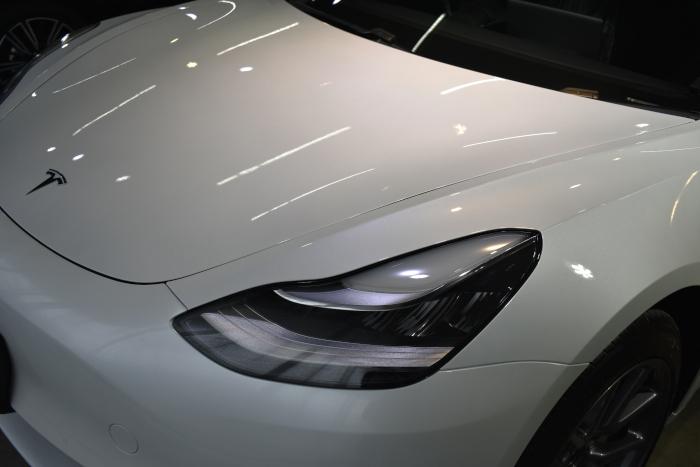 モデル3白-2