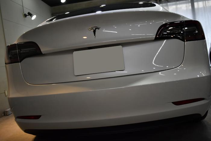 モデル3白-7