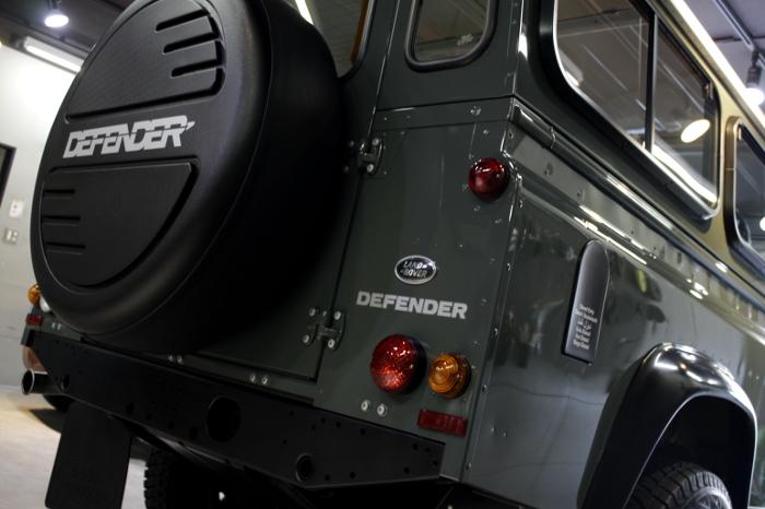 ディフェンダー-6