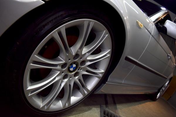 BMW320i-10