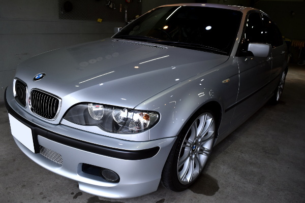 BMW320i-1