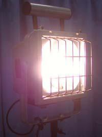 175Wメタルハライド照明